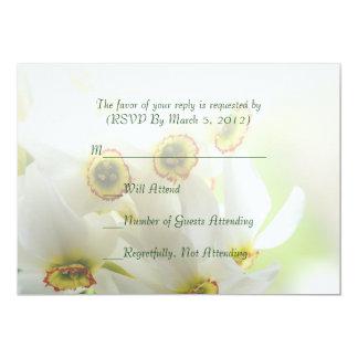 Cartão elegante luxuoso do buquê RSVP do narciso Convites