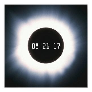 Cartão Em agosto de 2017 eclipse solar total em preto e