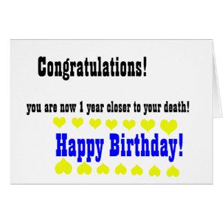 Cartão engraçado terrível do feliz aniversario