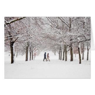 Cartão Entre as árvores