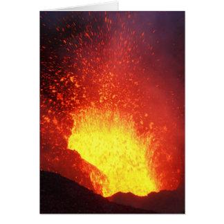 Cartão Erupção vulcânica da noite bonita
