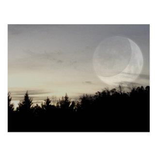 cartão escuro pensativo do céu