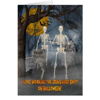 Cartão Esqueletos no deslocamento de cemitério w/Bats, na