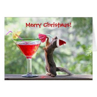 Cartão Esquilo do Natal que bebe um cocktail