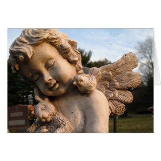 Cartão Estátua do anjo com pássaro e coelho