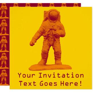 Cartão Estatueta retro do astronauta