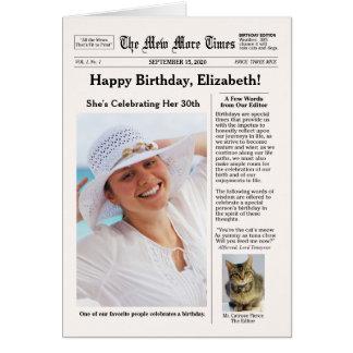 Cartão Estilo do jornal com aniversário customizável do