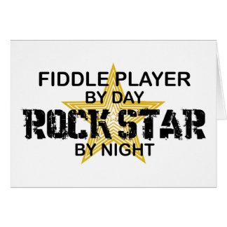 Cartão Estrela do rock do jogador do violino em a noite