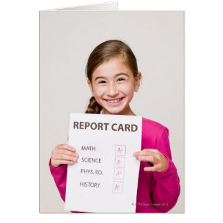 Cartão Estudante de sorriso orgulhosa das notas