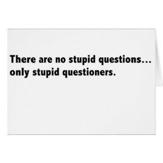 Cartão estúpido das perguntas sarcástico