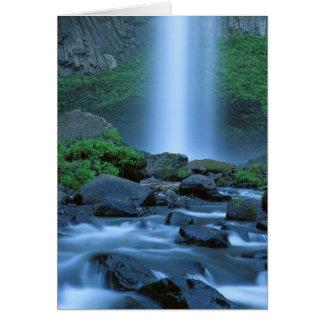 Cartão EUA, Oregon, desfiladeiro de Colômbia, quedas de