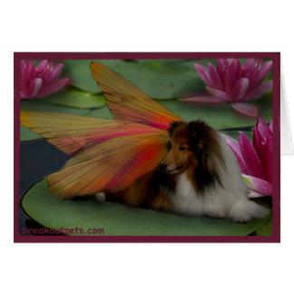 Cartão Fada de Sheltie em uma almofada de lírio. psd da