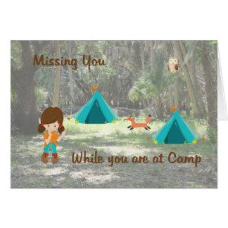 Cartão faltante da filha quando no acampamento de