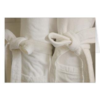 Cartão Feche acima das toalhas nos termas