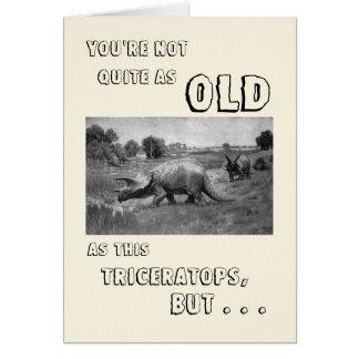 Cartão Feliz aniversario a um dinossauro