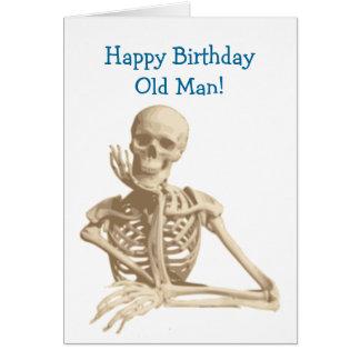 Cartão Feliz aniversario de esqueleto feliz