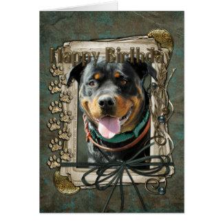 Cartão Feliz aniversario - patas de pedra - Rottweiler
