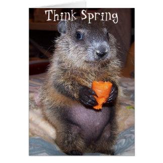 Cartão feliz do dia de Groundhog com bebê Maude