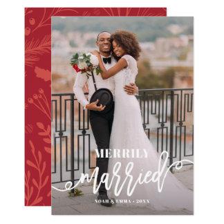 Cartão Feriado indicado por letras alegre casado do