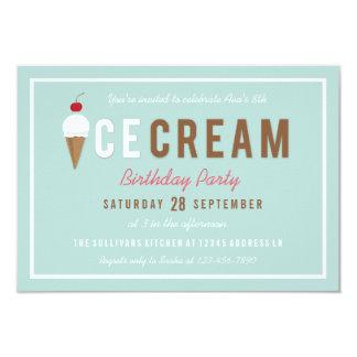 Cartão Festa de aniversário do verão do cone do sorvete