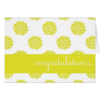 Cartão floral dos parabéns do crisântemo amarelo