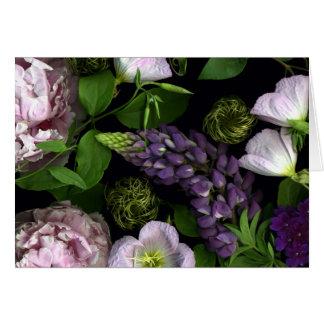 Cartão Flores roxas de um primeiro de Maio