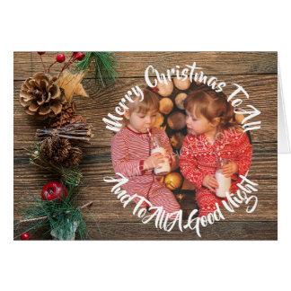 Cartão Foto rústica do Natal dos cones do pinho do país