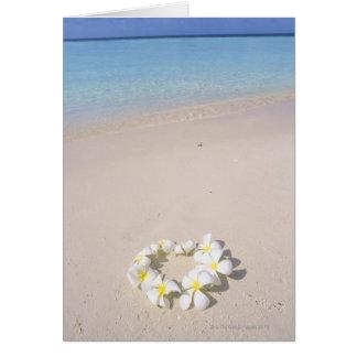 Cartão Frangipani na praia