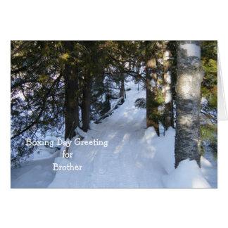 Cartão Fuga do Snowmobile através das madeiras