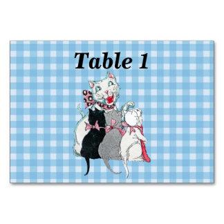 Cartão Gatinhos de sorriso brancos do gato três da mãe na