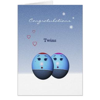 Cartão gêmeo recém-nascido no inverno modelo da f