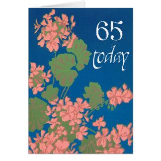 Cartão Gerânio do rosa Salmon no azul profundo, 65th