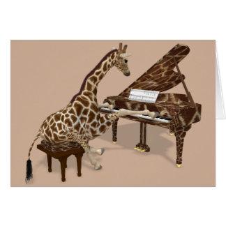 Cartão Girafa doce que joga o piano
