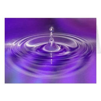 Cartão Gota roxa da água