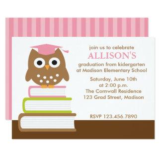 Cartão Graduação cor-de-rosa das meninas da coruja