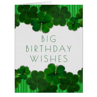 Cartão grande irlandês da menina ou da cara do