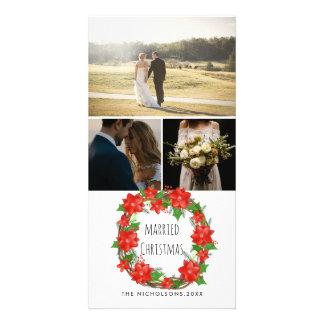 Cartão Grinalda vermelha casada do Natal da poinsétia do