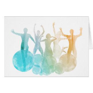 Cartão Grupo de amigos que saltam para a alegria na