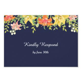Cartão Hemerocallis do verão nos azuis marinhos que