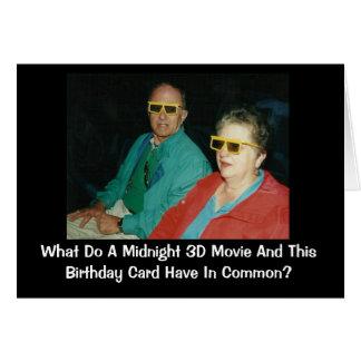 Cartão humor tardivo do aniversário do filme 3D
