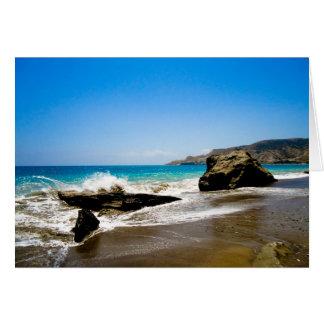 Cartão Impacto das ondas na praia