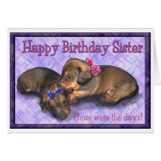 Cartão Irmãs pequenas do dachshund do aniversário dois da