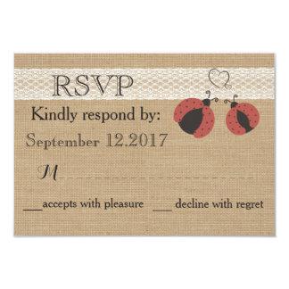 Cartão Joaninhas românticos rústicos de serapilheira que