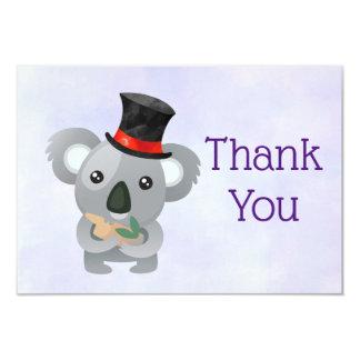 Cartão Koala bonito em um obrigado preto do chapéu alto