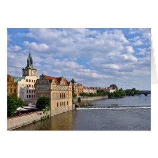Cartão Lado do rio de Praga, república Checo,