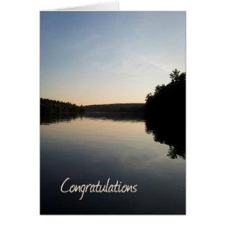 Cartão Lago card dos parabéns da aposentadoria no por do