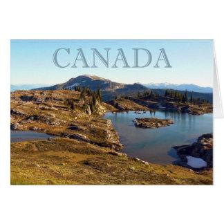 Cartão Lago de montanha em Columbia Britânicas
