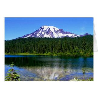 Cartão Lago reflection, o Monte Rainier, WA, EUA