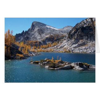 Cartão Lago Rune, os encantamentos, cascatas, Washington