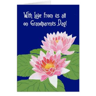 Cartão Lírios de água cor-de-rosa no dia azul das avós